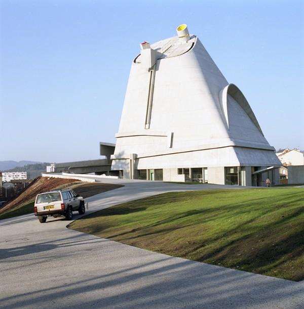 http://www.kristofguez.com/files/gimgs/th-36_36_corbusier.jpg