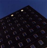 http://www.kristofguez.com/files/gimgs/th-36_36_immeuble-de-nuit.jpg